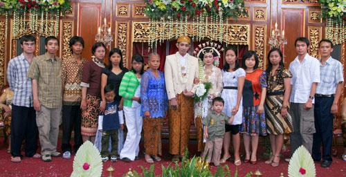 Staf YLSA di Pernikahan Ratri 2